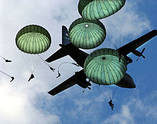 220px-82nd_Airborne_Mass_Jump-JSOH2006